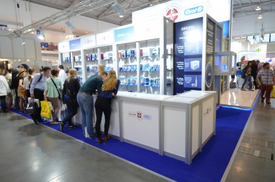 Company stand ORAL-B Instytut Blend-a-med on trade show CEDE 2014