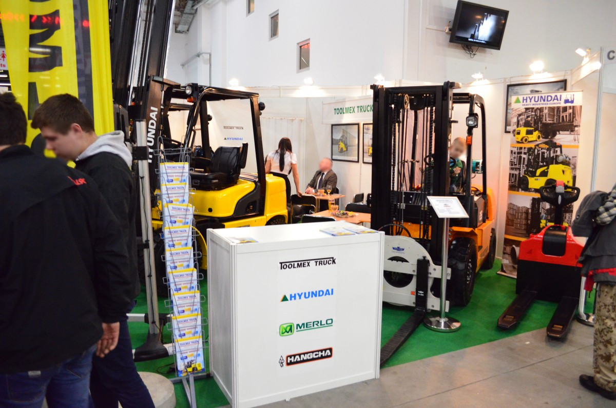 Company stand TOOLMEX TRUCK Sp. z o.o. on trade show LAS-EXPO & AGROTECH 2015