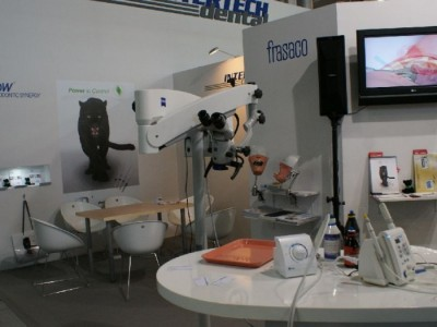 Company stand INTERTECH DENTAL Ryszard Drobik on trade show CEDE 2010