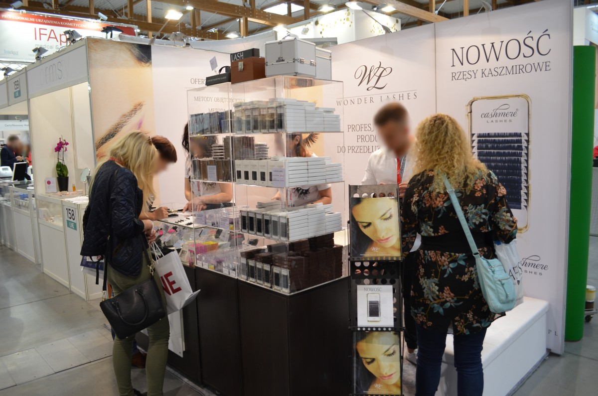 Company stand Wonder Lashes S.C. on trade show LNE & SPA 2016